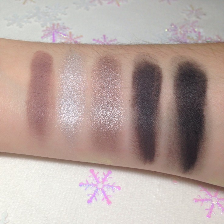 Chloe_Morello_Pretty_Fun_Fearless_eyeshadow_palette_swatches_3
