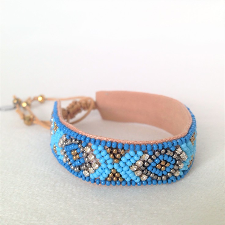 Deepa_Gurnani_blue_beaded_bracelet