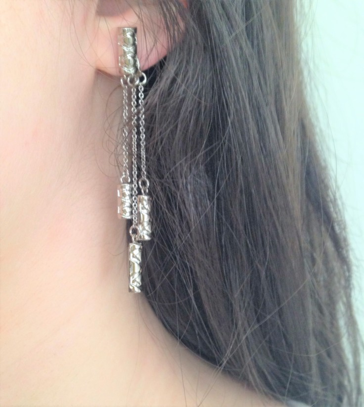 House_of_Harlow_long_silver_earrings_modelled