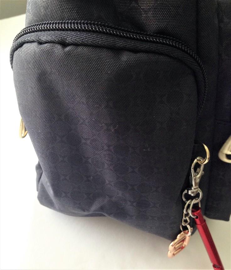 Beside-U_Ballona_RFID_bag_review_side_pocket