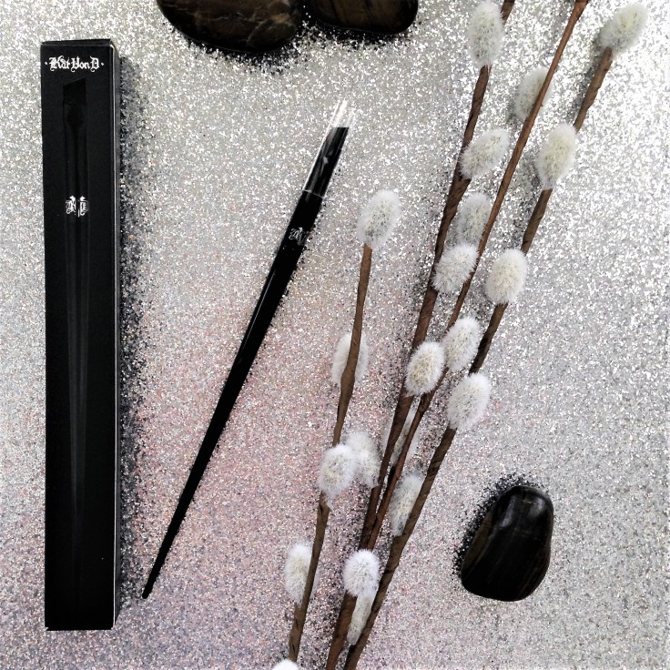 Kat_Von_D_Super_Brow_pomade_brow_brush_Influenster_voxbox_review_brush70