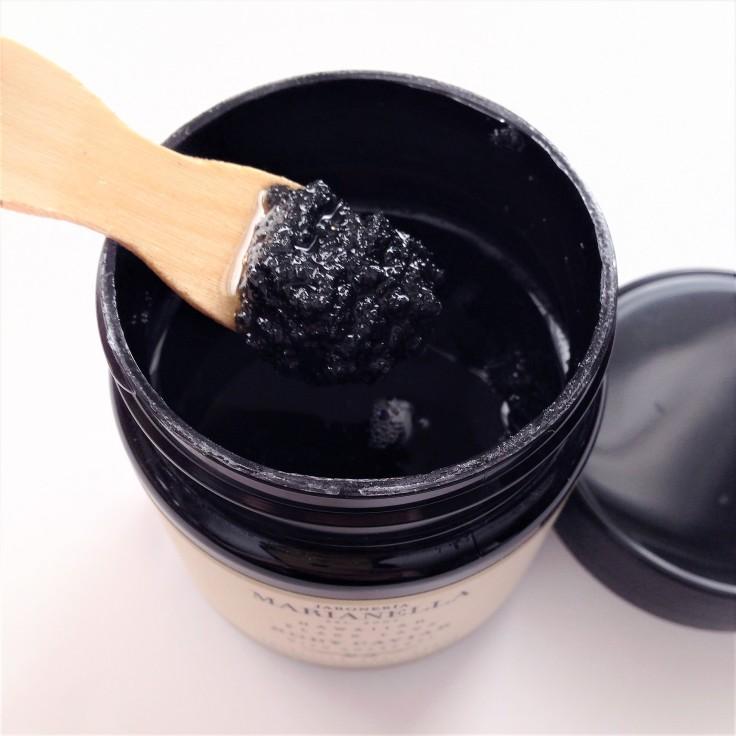 jaboneria marianella hawaiian black lava body caviar texture