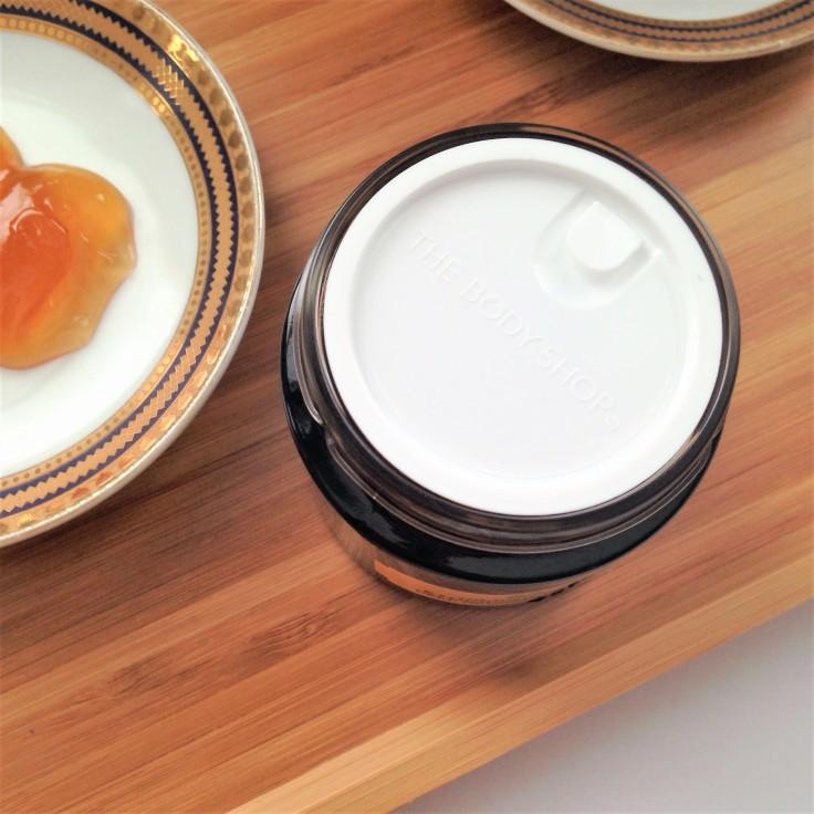 The Body Shop Ethiopian Honey Deep Nourishing Face Mask Packaging